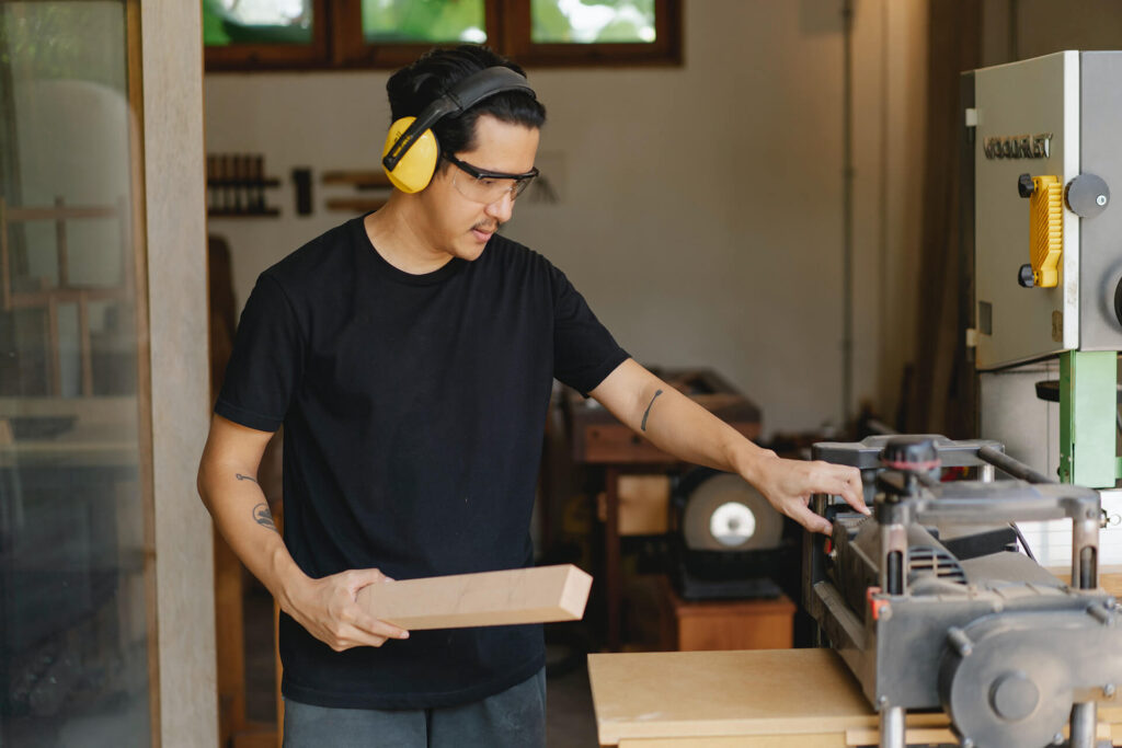 Dealing with ear ringing or Tinnitus at work